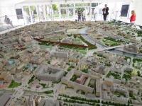 モスクワ館の展示のハイライトは旧市街地の精巧な400分の1模型だ。現在40m2だが、2017年には1000m2近い、世界最大の都市模型が完成するという